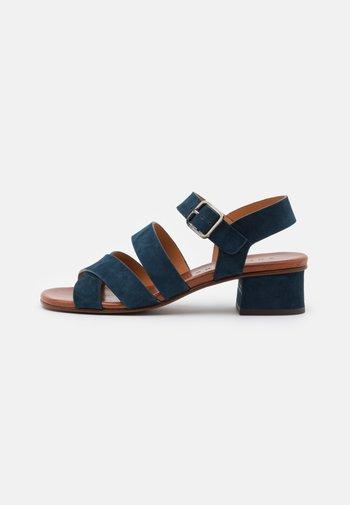 QUA YARIS - Sandals - indigo