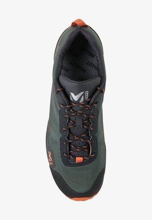 HIKE UP GTX M - Chaussures de running neutres - kaki