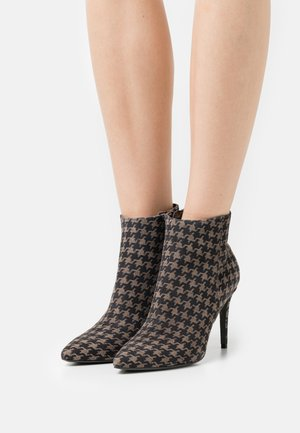 MILEY - High heeled ankle boots - taupe