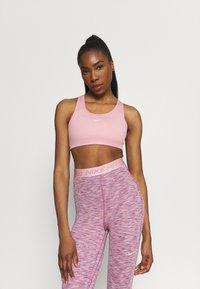 Nike Performance - BRA - Sujetadores deportivos con sujeción media - pink glaze/pure/white - 3