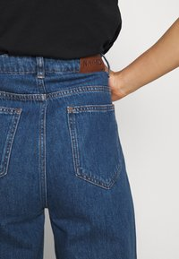 NA-KD - WIDE LEG  - Jeansy Straight Leg - mid blue - 7