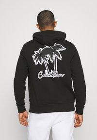 Calvin Klein - SUMMER GRAPHIC BACK PRINT HOODIE - Felpa - black - 0