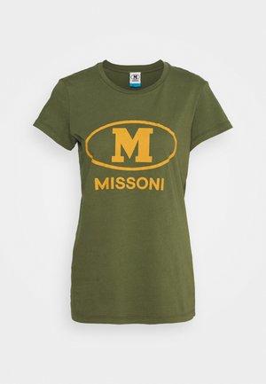 MANICA CORTA - Print T-shirt - khaki