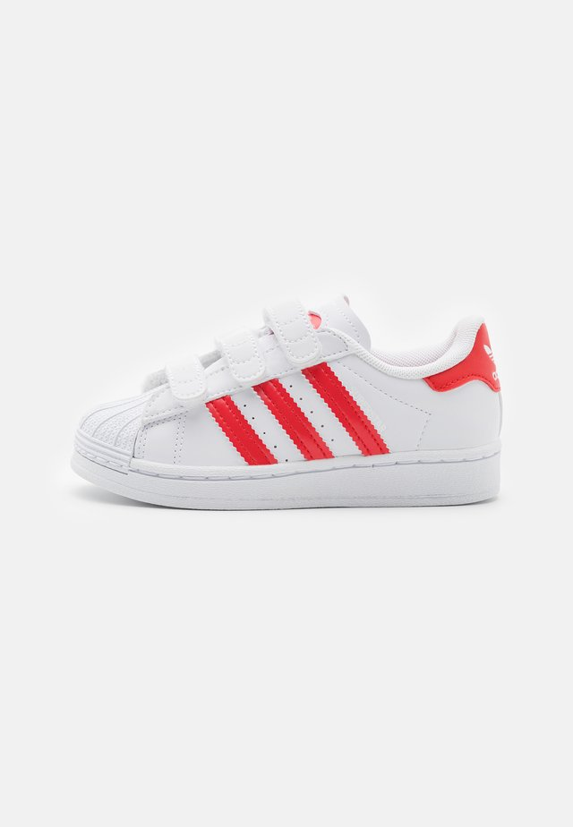 SUPERSTAR UNISEX - Sneakers laag - footwear white/vivid red