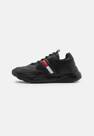 CHUNKY TECH RUNNER - Zapatillas - black