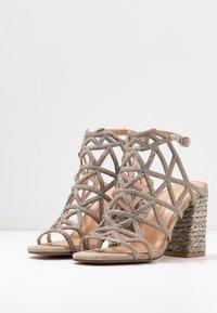 Alma en Pena - High heeled sandals - taupe - 4