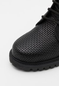 DECHASE - KEFF PATERN BOOTS UNISEX - Lace-up ankle boots - black - 5