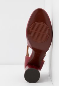 Chie Mihara - MOLE - Classic heels - granate - 6
