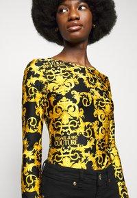 Versace Jeans Couture - LADY BUSTIER - Top sdlouhým rukávem - black - 5