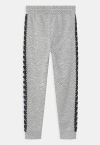 Kappa - IRENEUS UNISEX - Pantalones deportivos - mottled grey - 1