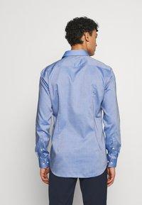 HUGO - KOEY SLIM FIT - Formal shirt - navy - 2