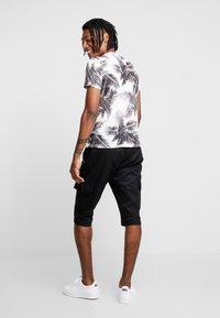Piazza Italia - Shorts - black - 2