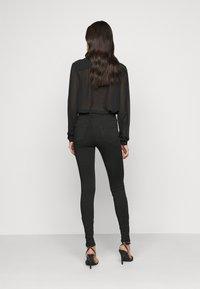 Vero Moda Tall - VMLUX SUPER - Slim fit jeans - black - 2