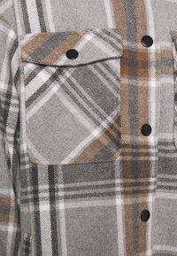 ONLY - ONLELLENE VALDA CHACKET - Classic coat - chipmunk - 4