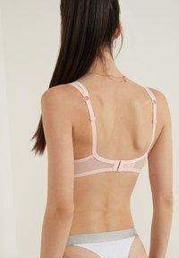 Tezenis - EMBROIDERY - Underwired bra - sweet pink - 1