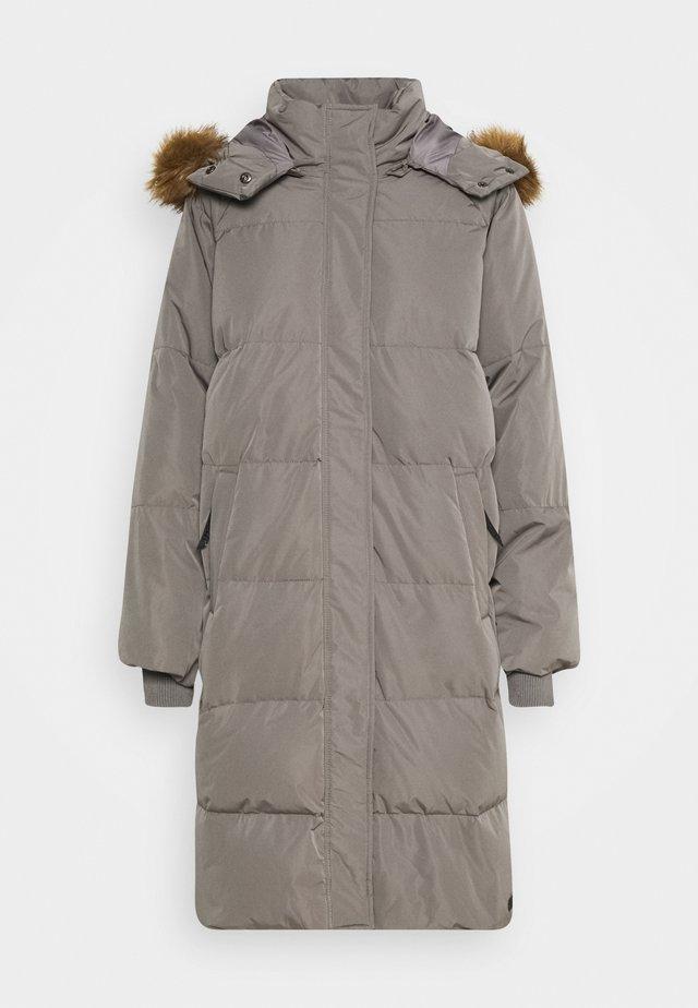 SKYLAR  - Kabát zprachového peří - grey