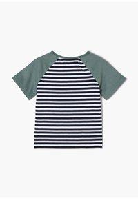 s.Oliver - MIT STREIFENMUSTER - Print T-shirt - dark blue - 1