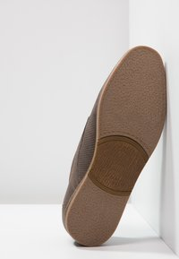 Pier One - Casual lace-ups - brown - 4