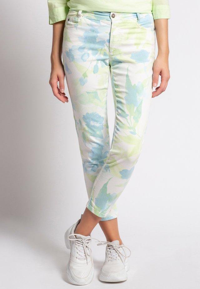 JULIA BLATTMUSTER - Slim fit jeans - pastellgrün