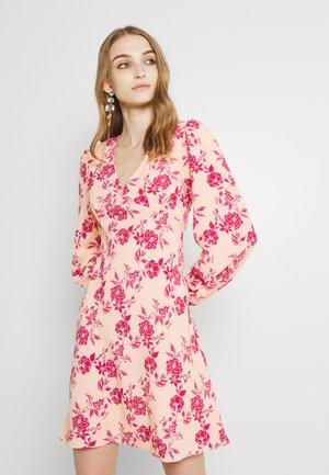 BALLOON SLEEVE PLUNGE MINI DRESS - Day dress - peach/pink