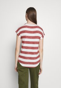 Vero Moda - VMWIDE STRIPE TOP  - Print T-shirt - marsala/snow white - 2