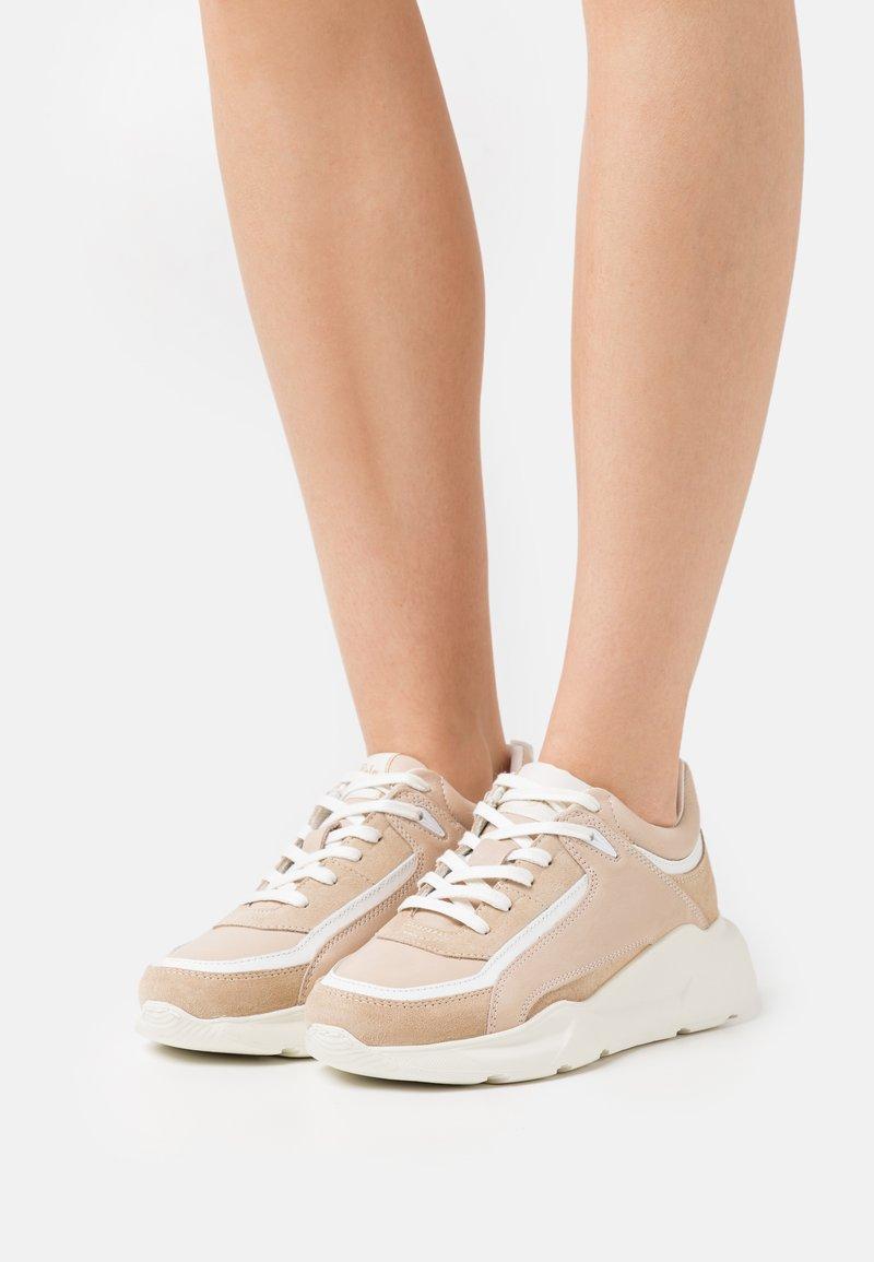 Buffalo - RENZO - Sneakersy niskie - beige