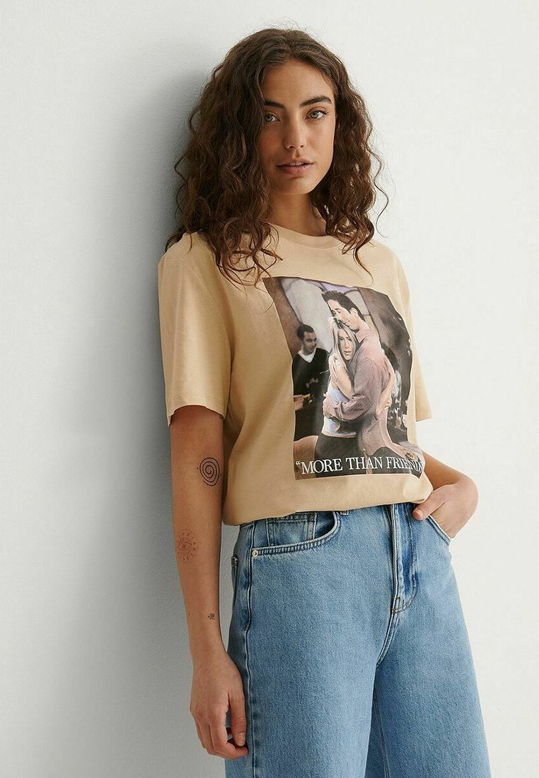 NA-KD - Print T-shirt - beige more than friends