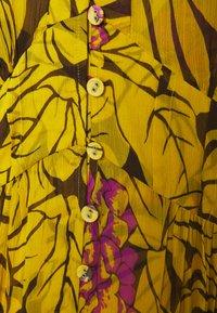Diane von Furstenberg - ERICA LONG - Maksimekko - palm large yellow - 2