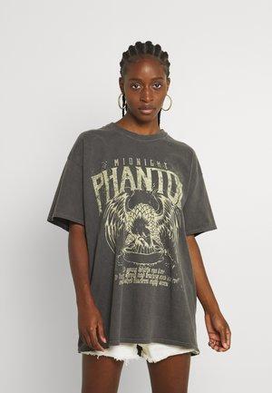 MIDNIGHT PHANTOM DAD - Print T-shirt - charcoal