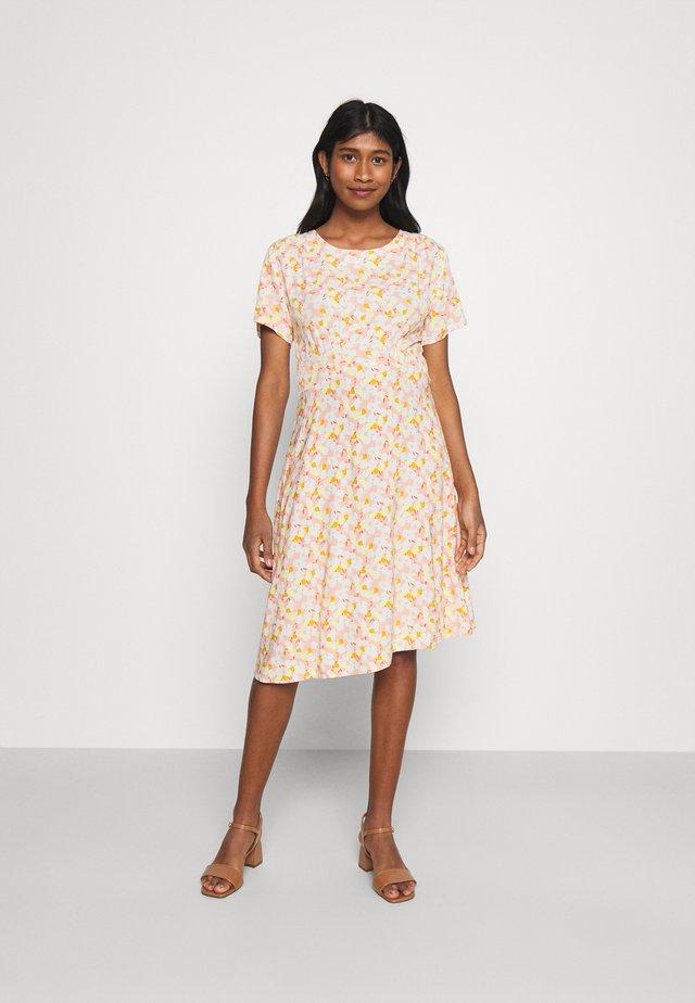 NUANOMA DRESS - Korte jurk - pink sand