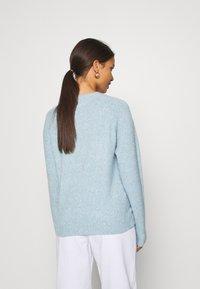 Vero Moda Petite - VMDOFFY NECK BLOUSE  - Pullover - blue - 2