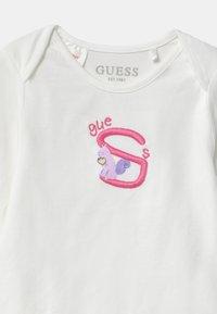 Guess - BABY 5 PACK - Dárky pro nejmenší - vintage baby pink - 3