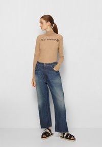 MM6 Maison Margiela - PANTS 5 POCKETS - Relaxed fit jeans - vintage/blue - 4