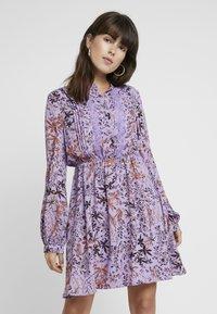 Liu Jo Jeans - ABITO SHORT DRESS - Skjortklänning - purple - 0