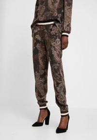 Cream - MONA PANTS - Pantalon classique - pitch black - 0