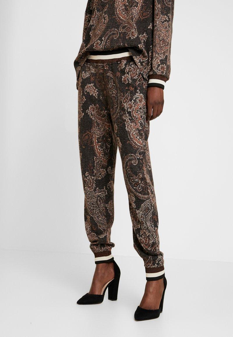 Cream - MONA PANTS - Pantalon classique - pitch black