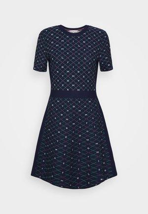 KNEE DRESS - Strikket kjole - argyle/yale navy