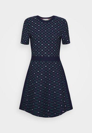 KNEE DRESS - Jumper dress - argyle/yale navy
