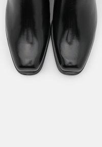 Scotch & Soda - SHEILA - Kotníkové boty - black - 5