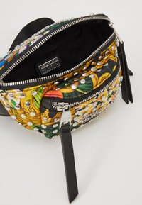 Versace Jeans Couture - BAROQUE PRINTED BUMBAG - Bum bag - multi - 4