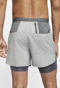 Nike Performance - Sports shorts - iron grey/iron grey/heather - 3