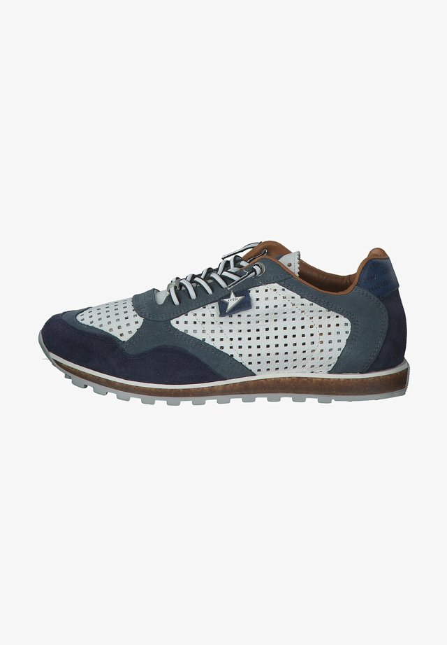 Trainers - navy white