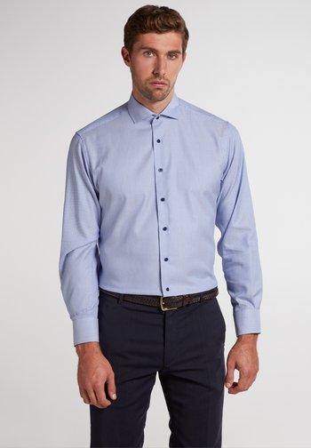 MODERN FIT - Shirt - blau
