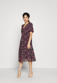 Vero Moda Petite - VMVILDE CALF DRESS - Kjole - navy - 0