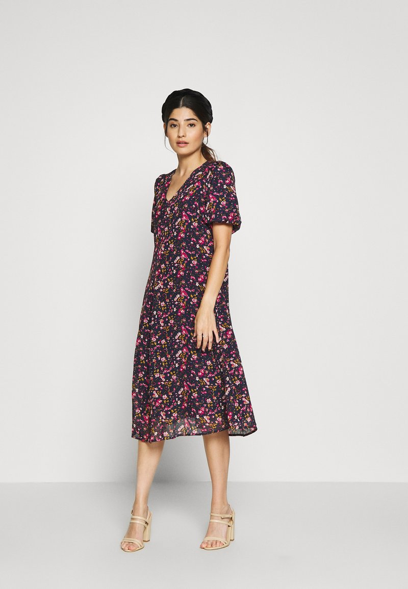 Vero Moda Petite - VMVILDE CALF DRESS - Kjole - navy