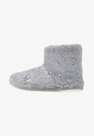 FLECK BOOTIE - Domácí obuv - light grey