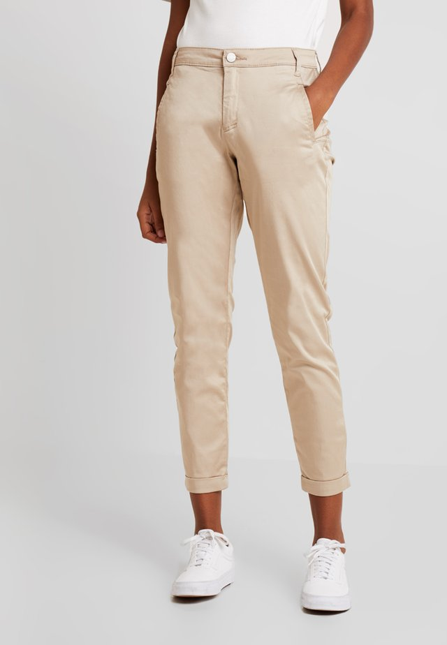 VICHINO RWRE 7/8 NEW PANT-NOOS - Chino - soft camel