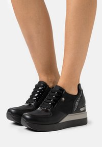Tata Italia - SOLE - Trainers - black - 0