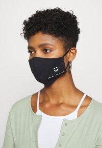 Maison Hēroïne - BUNDLE 3 PACK - Community mask - black - 2