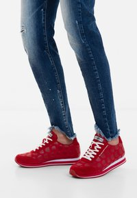 Desigual - Zapatillas - red - 0
